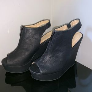 Chinese Laundry Dynasty Zip Wedges